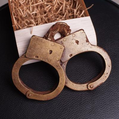 Шоколадные наручники